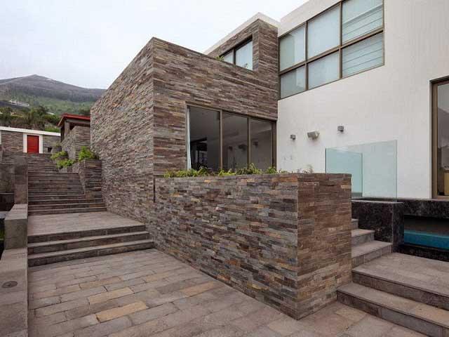 Fachadas exteriores fachada marron with fachadas for Ceramica para fachadas exteriores